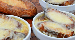 przepis-francuska-zupa-cebulowa