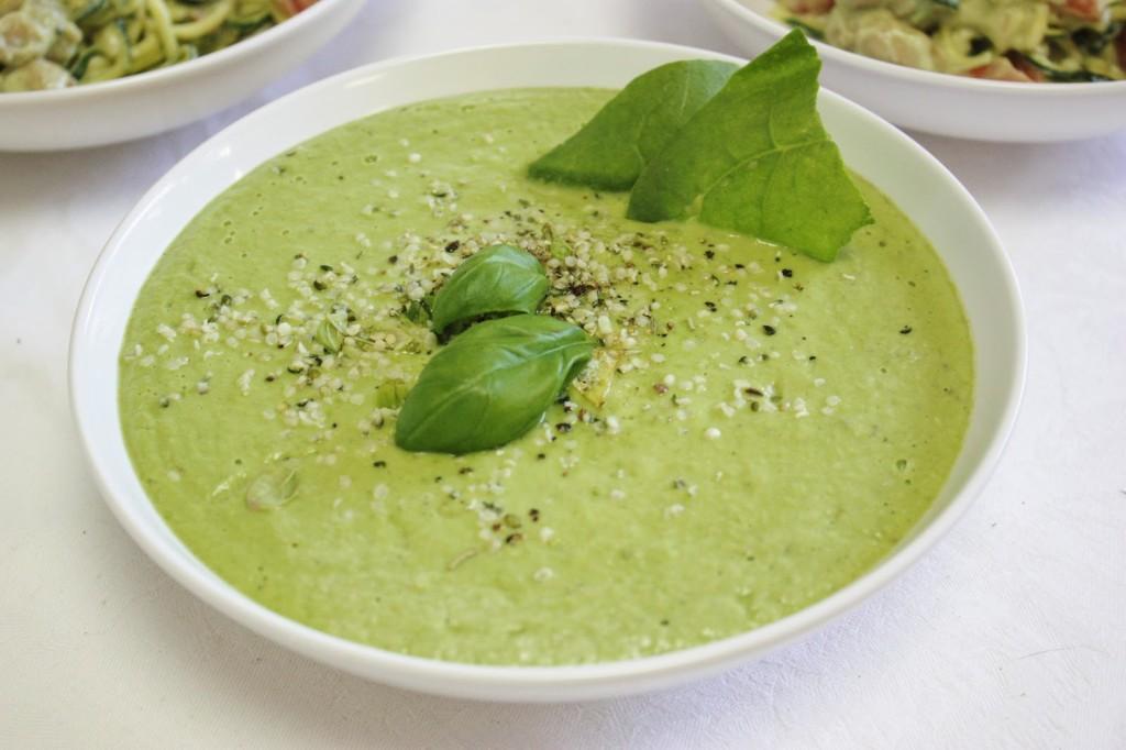 zupa krem z awokado- goracy kubek