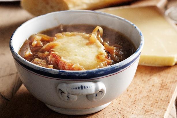 francuska zupa cebulowa przepis