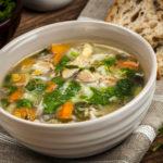 Lekka i dietetyczna zupa ryżowa