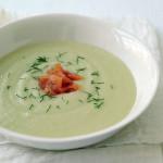 Zupa ziemniaczana z wędzonym łososiem i koperkiem