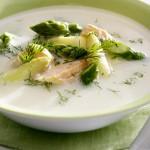 Szparagi, wędzony łosoś i czosnek czyli pyszna zupa krem