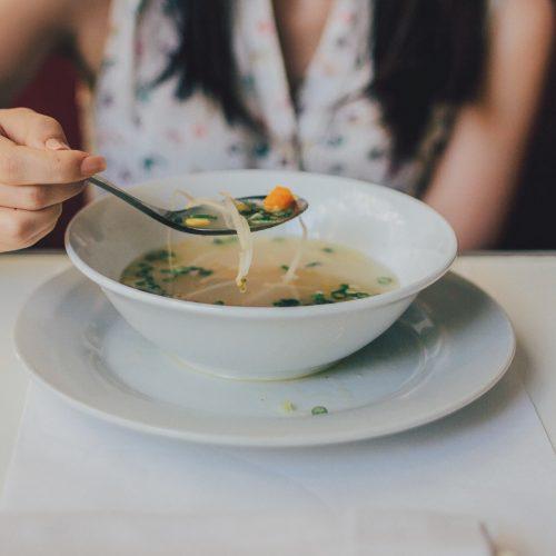 tajska zupa rybna
