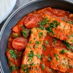 Ryba w sosie pomidorowo paprykowym