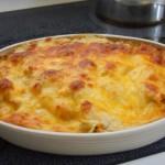 Zapiekanka z łososiem, ziemniakami i gorgonzolą