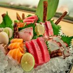 ryby i owoce morza na półmisku